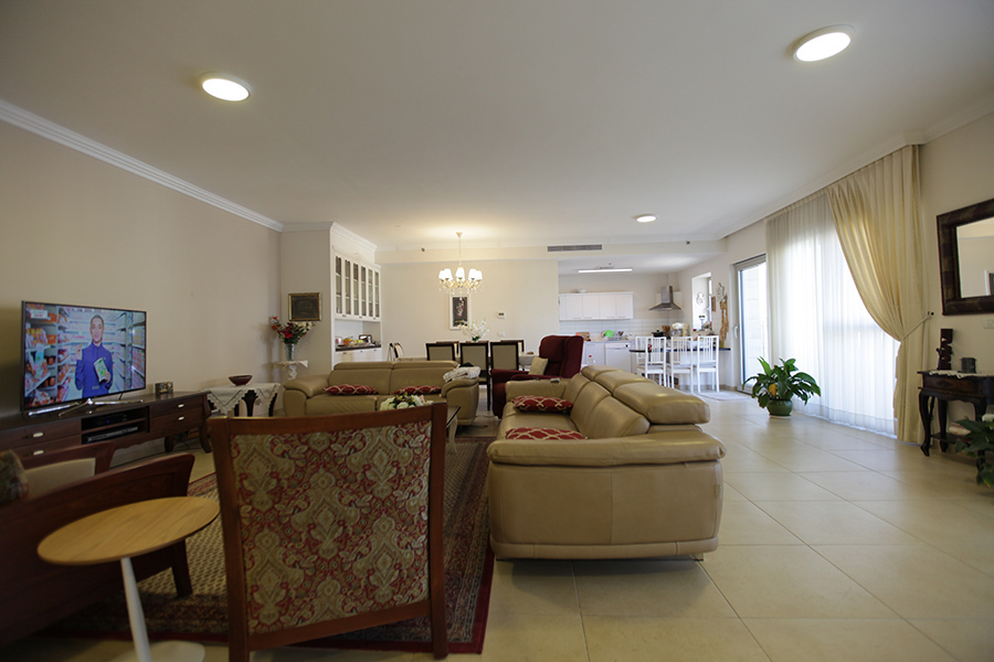 Eta-Morris-Jerusalem-Realty-ID106_IMG_9673